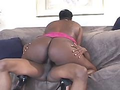 Ebony hottie gets some good nailing